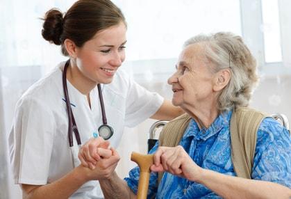 Liebevolle Pflege Zuhause durch eine polnische Pflegekraft